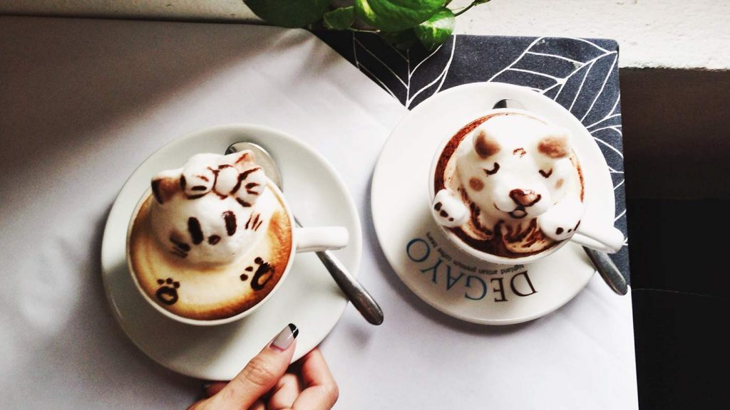 Japanese 3D coffee art.